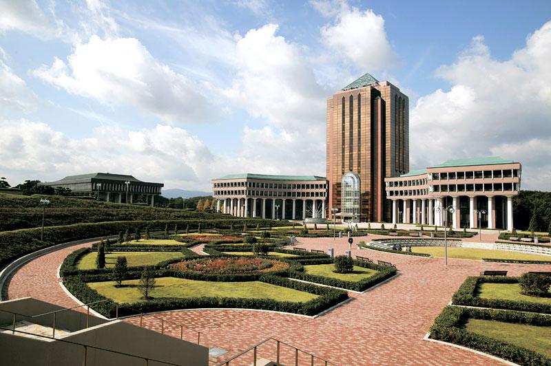 Trường đại học Nihon Nhật Bản
