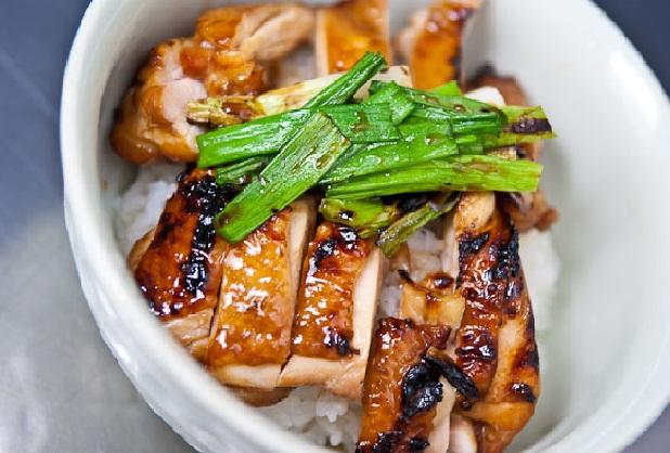 Bữa trưa đặc biệt với gà nướng Teriyaki tại Nhật